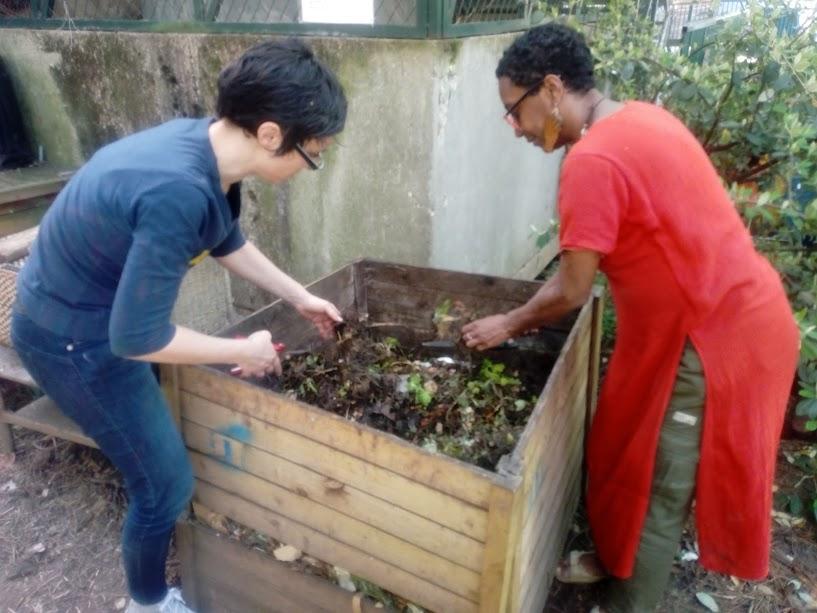 Le compost collectif du jardin partagé